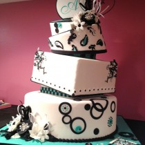 Contemporary-Wedding-Cake---Aqua