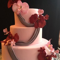 Orchid-and-Drape-Wedding-Cake-2