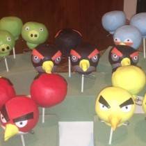 angry-bird-cake-pops